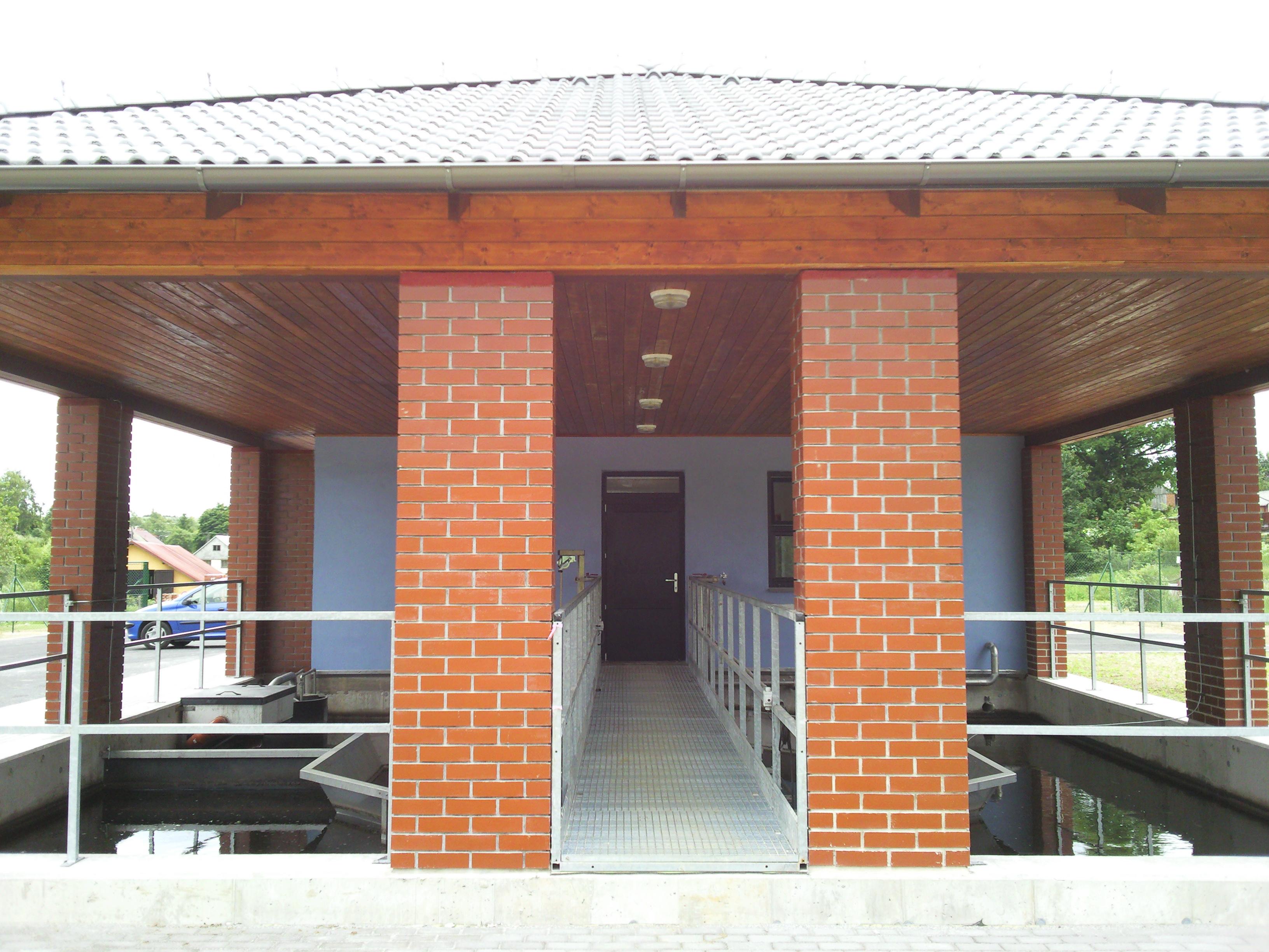 Stonařov – hlavní budova